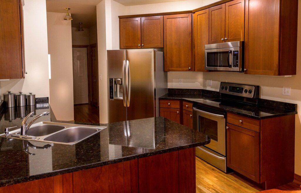 Hyödyt ja haitat viidestä upeasta keittiötason materiaalista